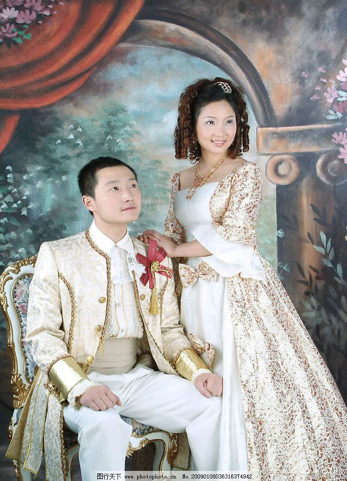 婚纱摄影图片,欧式风格 古典婚纱摄影 鲜花 微笑 人物