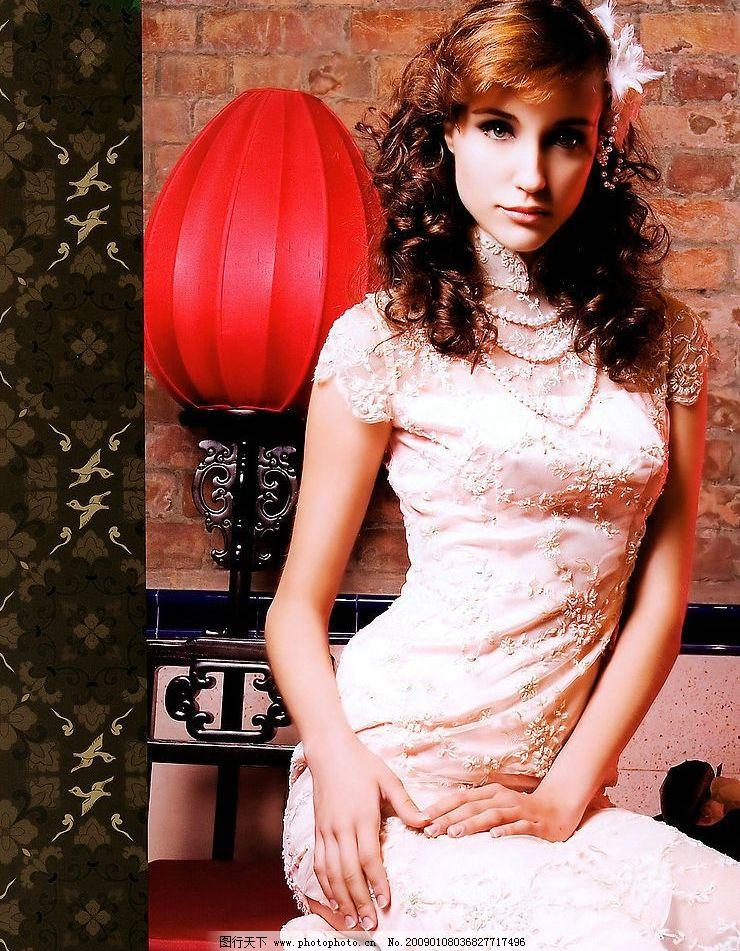 穿旗袍的外国人 洋人 美女 旗袍 人物图库 女性女人 摄影图库 96dpi