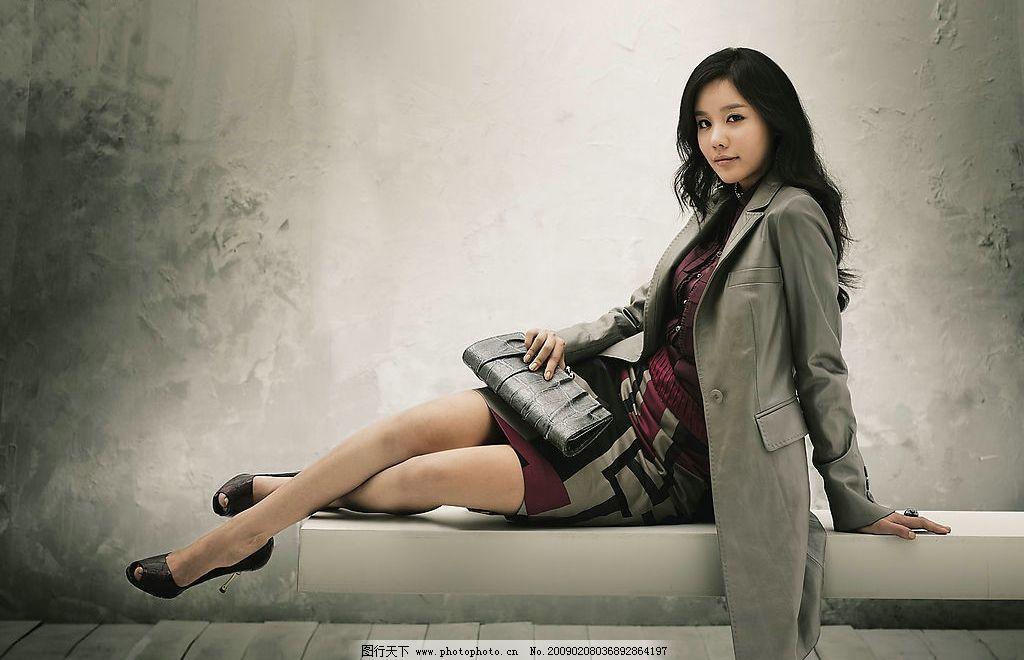 韩国模特金亚中图片