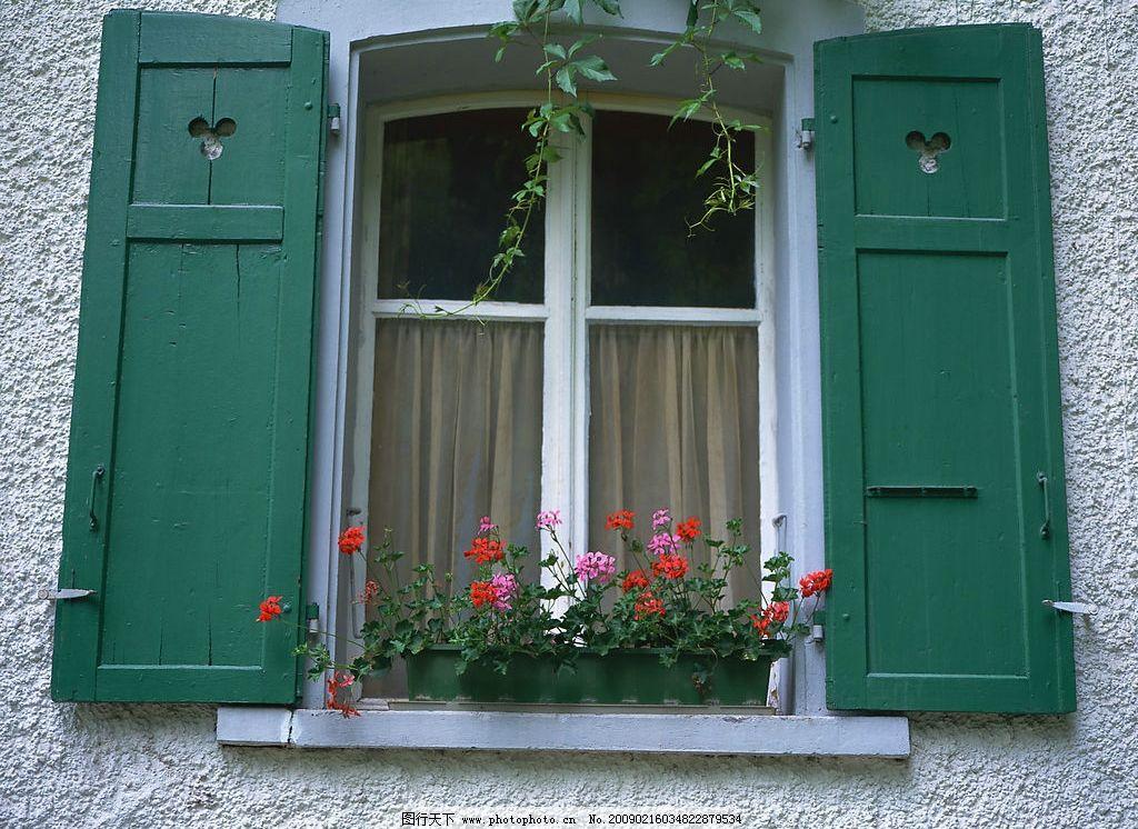 外窗绿化 窗外风景 花 植物 玻璃 窗帘 窗纹 摄影图库