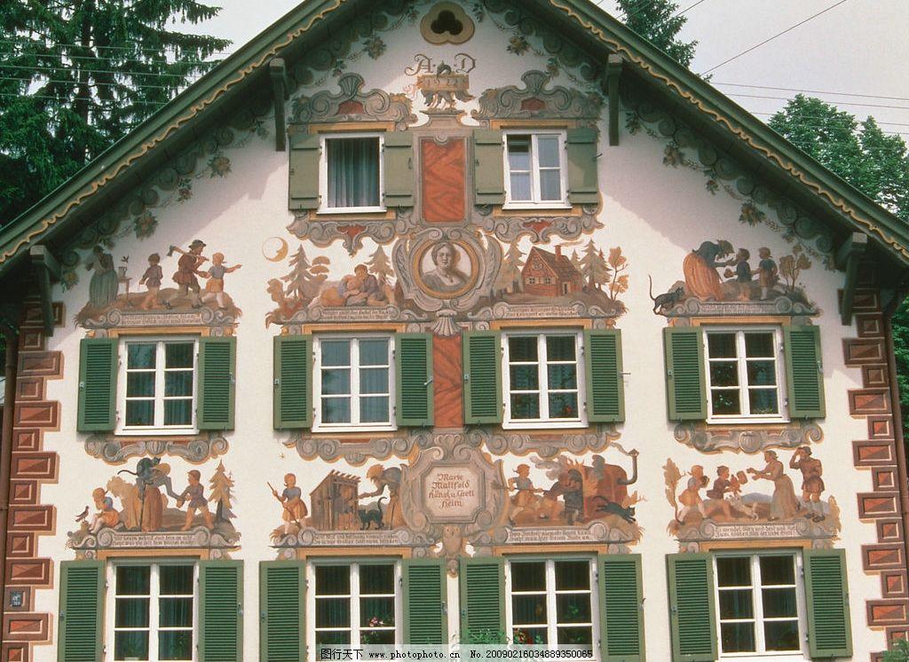 外窗绿化 欧式别墅 欧式绘画 大树 窗子 玻璃 窗帘 自然景观