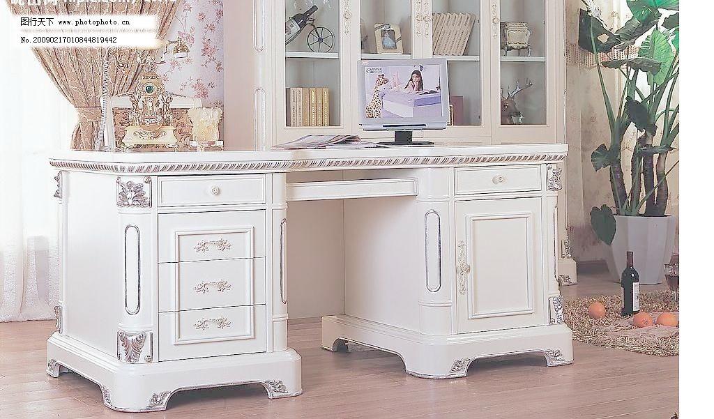 欧式家具 办公桌 窗帘 地板 电话 电脑 红酒 家居 欧式家具图片素材