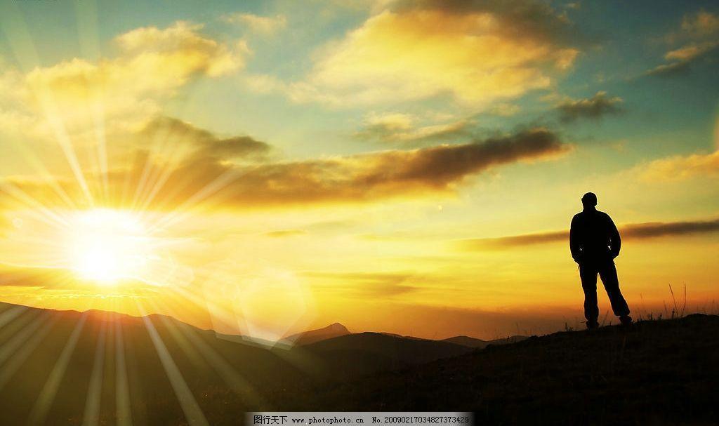 自然景观 自然风景  看日落的人图片素材 3456x2296 人物 背影 日落