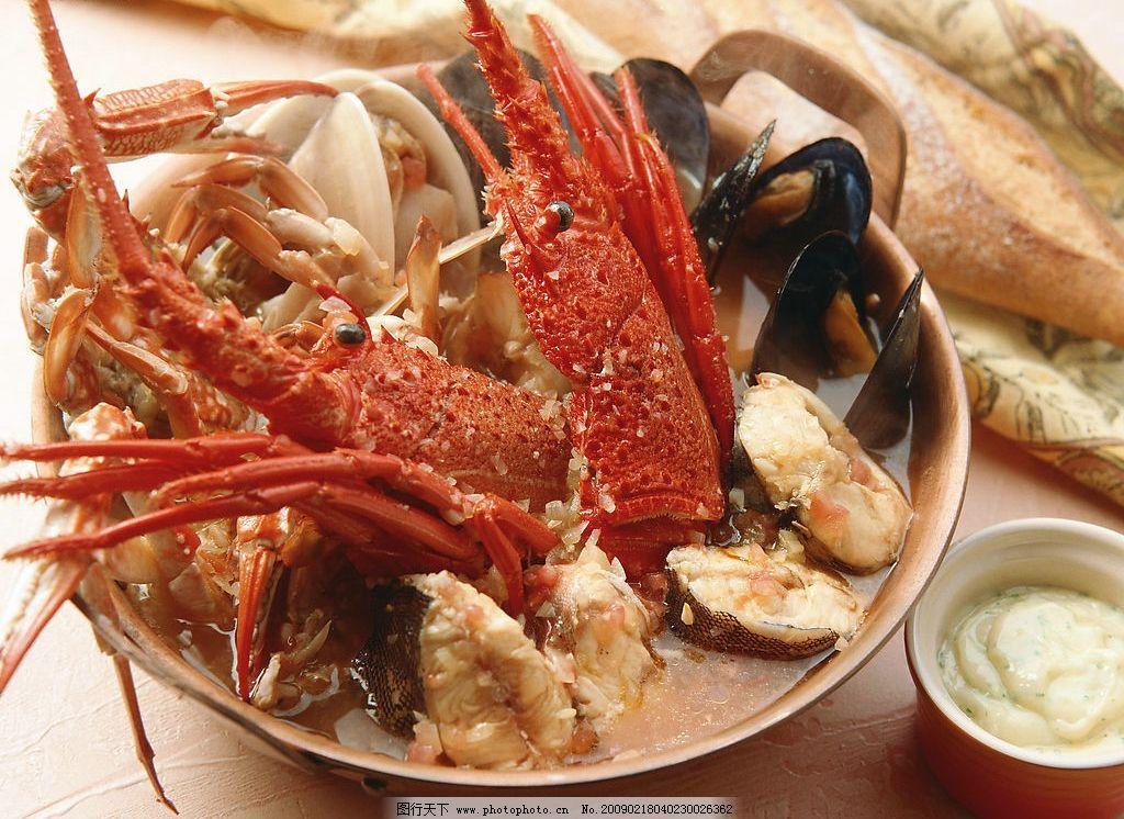 龙虾大煲 大龙虾 青蚝 花蛤 螃蟹 海鲜酱 碗 面包 布 砂锅