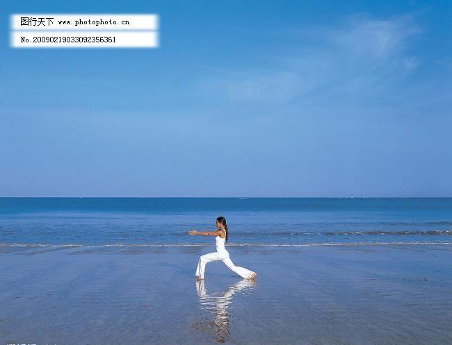 瑜伽 瑜伽图片免费下载 大海 海滩 蓝天 女性 女性女人 人物图库