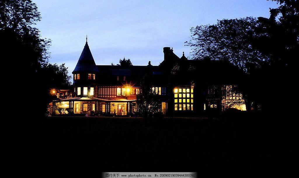 别墅 夜景 夜色 楼房 房子 灯光 天空 夜晚 建筑物 建筑摄影 图片素材