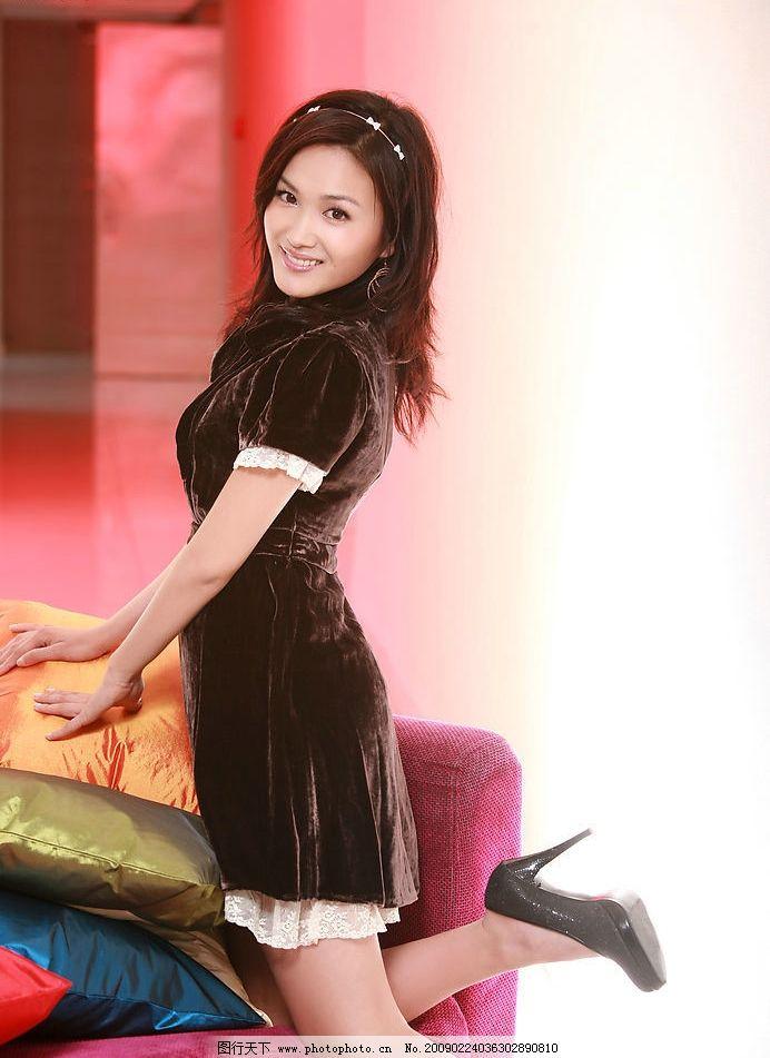 美女李艳冰 漂亮 美丽 清纯 短裙 青春 可爱 可人 高清 靓丽