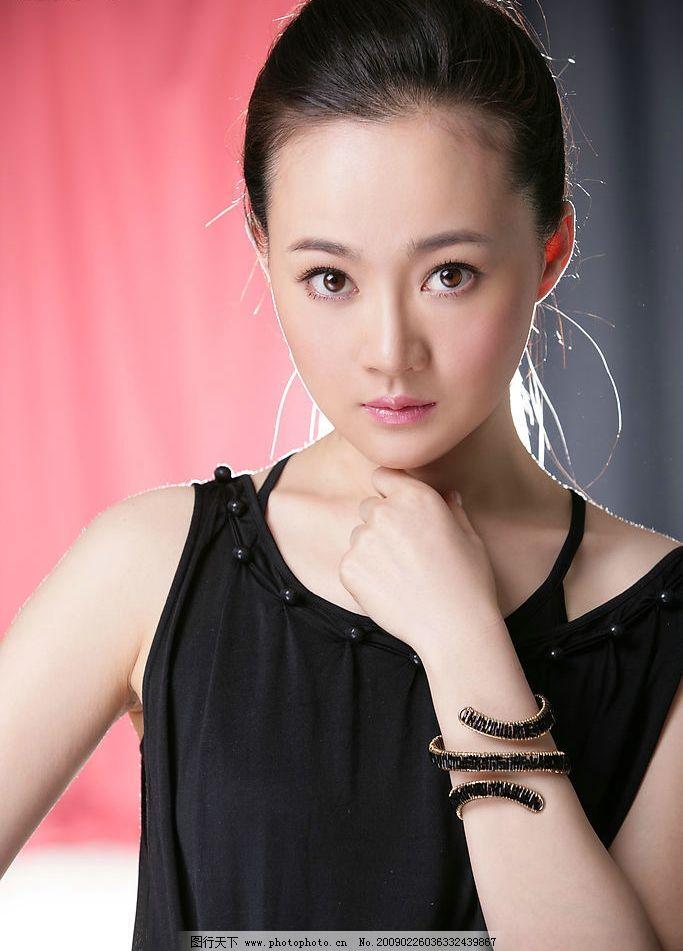 封面高清图 孙卉凝 少林寺传奇女主角 中央戏剧学院 新一代的侠女图片