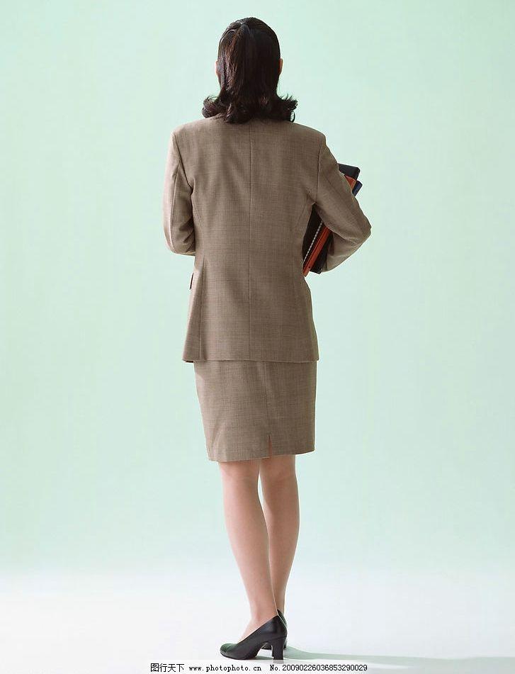 女性 职业装的女性 抱文件的女性 背影 人物图库 女性女人 摄影图库