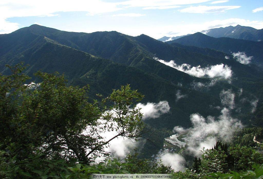 青山白云图片