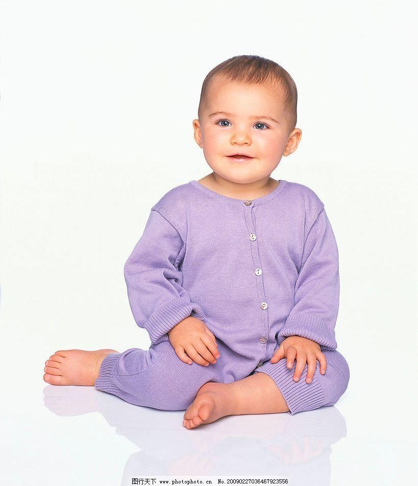 可爱宝宝 摄影图库 人物图库 儿童幼儿 坐姿 baby 宝宝 外国小孩 蓝眼