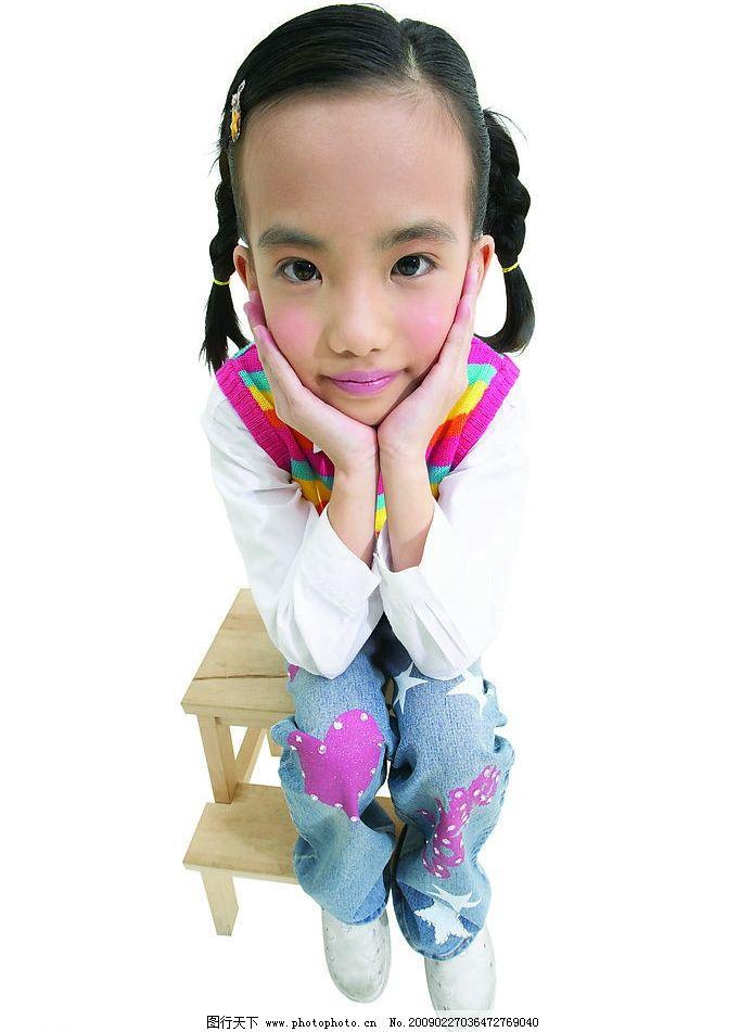 儿童 可爱 女孩 肢体语言 儿童幼儿 摄影图库