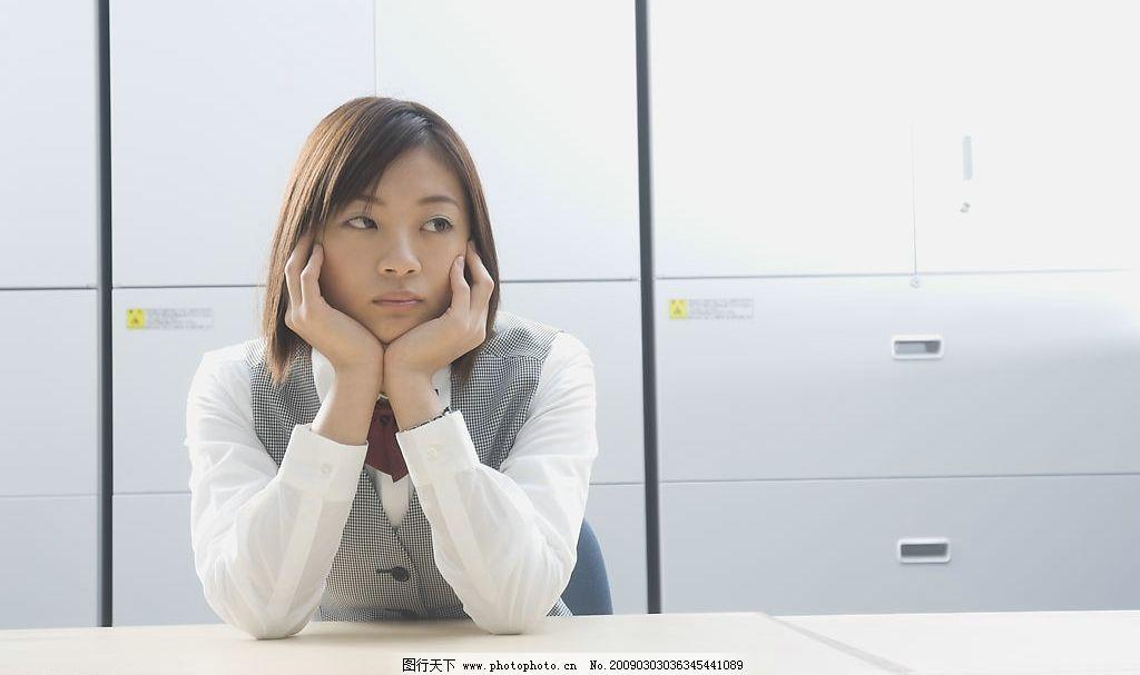 女职员 办公室 女人 女孩 文件 工作压力 文员 人物图库 人物摄影