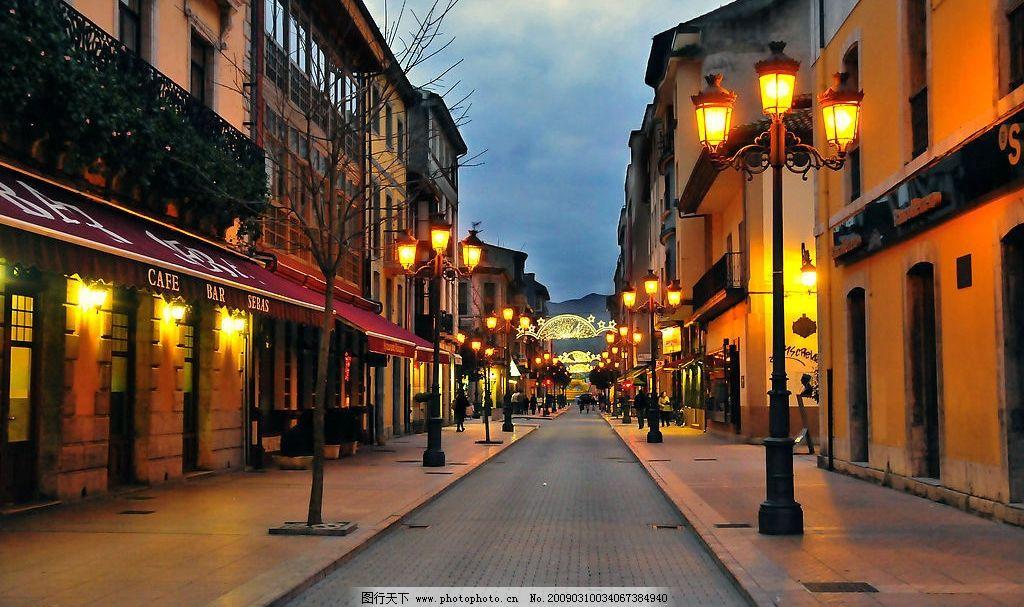 街道 欧式建筑 路灯 灯光 路面 天空 旅游摄影 国外旅游 摄影图库 300