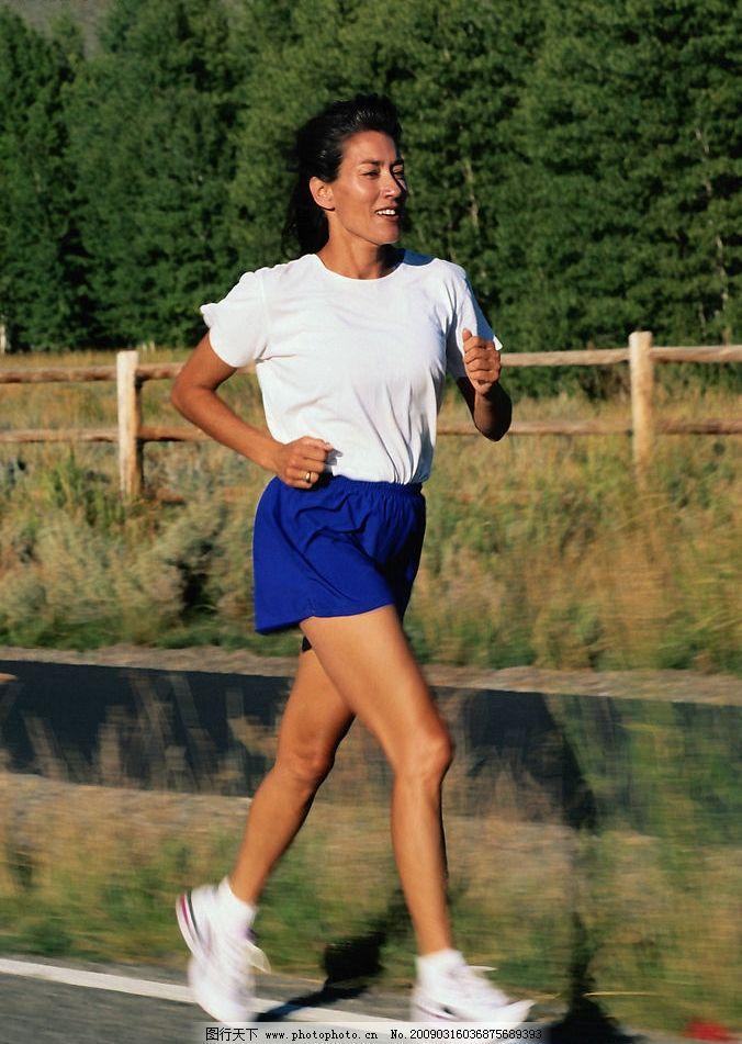 慢跑 外国人物素材 女人慢跑 户外运动 人物图库 女性女人 摄影图库