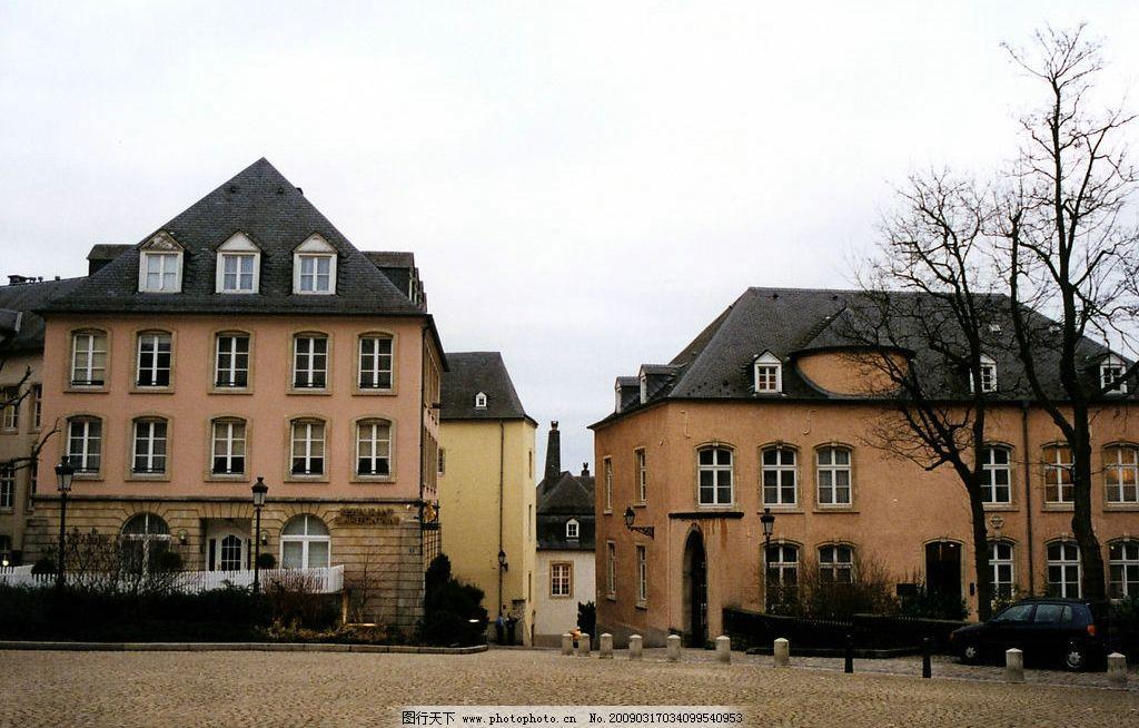欧式风情 欧洲 建筑 房子 广场 车子 路树 路灯 旅游摄影 国外旅游