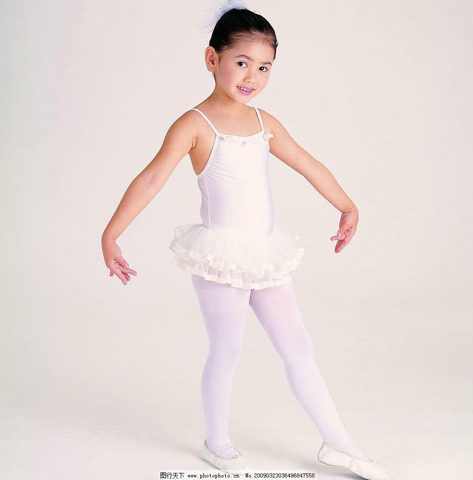 跳舞的小女孩 活泼可爱 人物图库 儿童幼儿 摄影图库 72dpi jpg