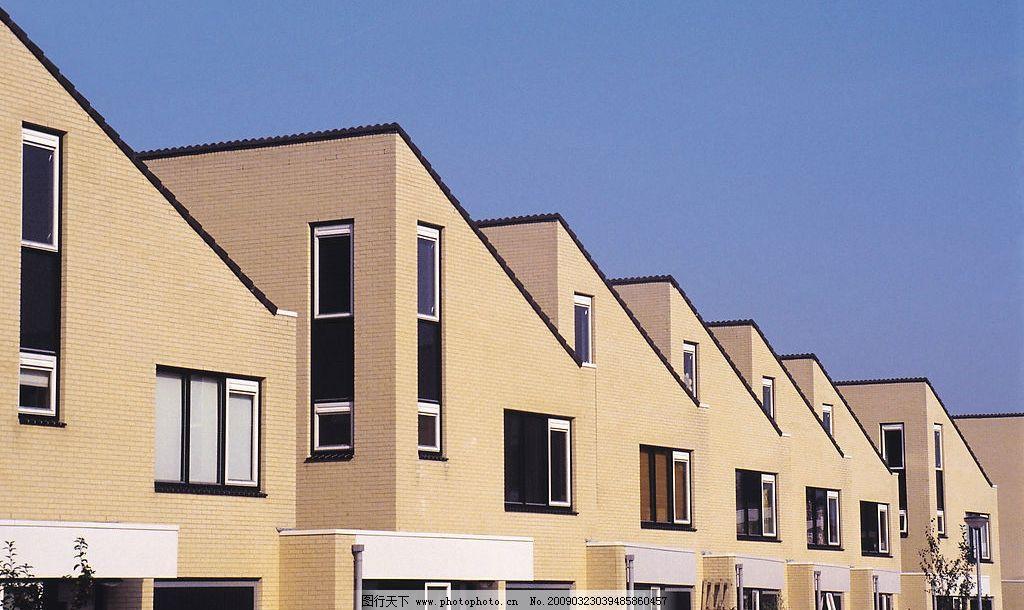 联排别墅 小区 天空 蓝天 屋顶 房顶 窗户 路灯 建筑园林 建筑摄影 摄