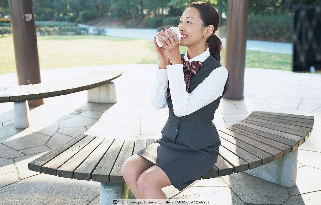 职业女性 白领一族 职场美女 微笑 商务金融 商务素材 摄影图库 350