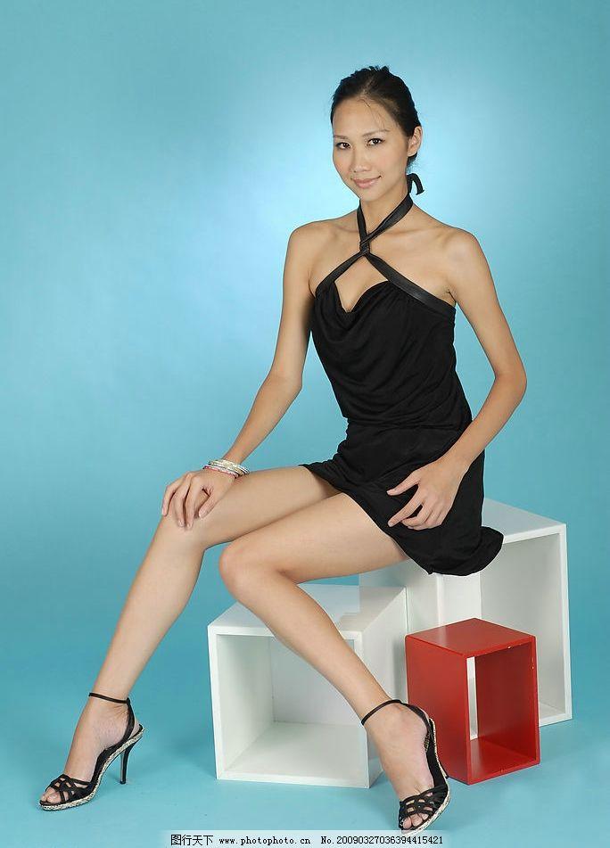 冯媜 冯贞 台湾 美女 模特 美腿 高根 超短裙 性感 腿模 人物图库