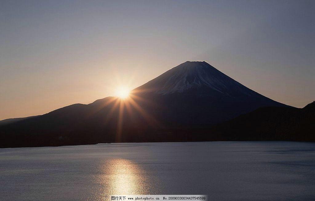 日出 大山 海面 山峰 天空 太阳 大海 自然景观 山水风景 摄影图库 72
