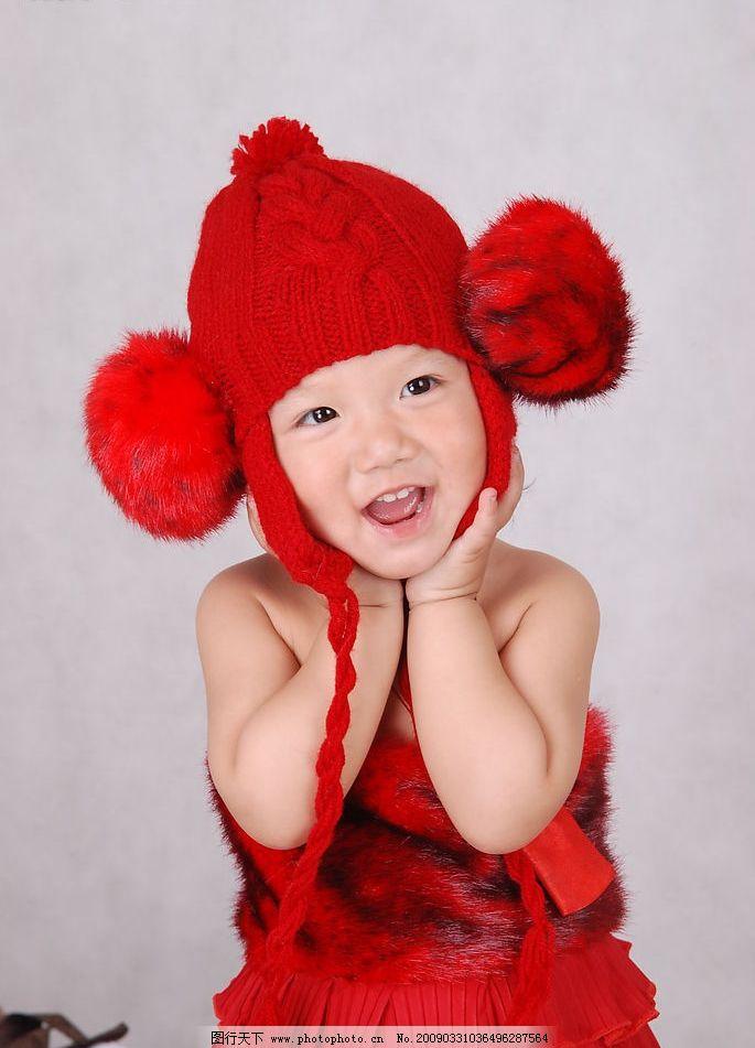 可爱的娃娃 可爱的小女孩 儿童摄影 可爱 娃娃 女孩 红色 人物图库